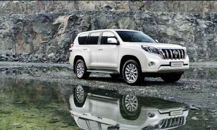 2016-land-cruiser-prado